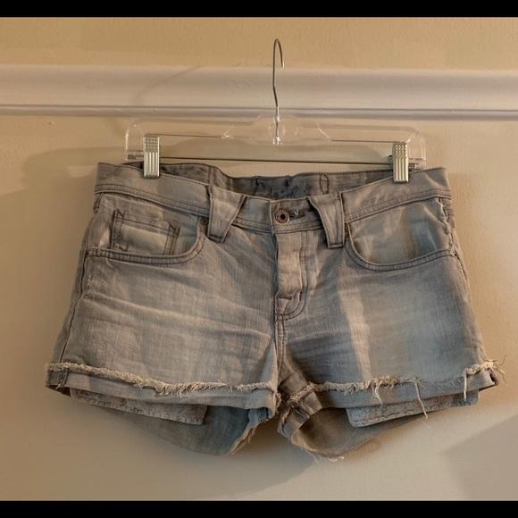 Chip & Pepper Pants - Chip & Pepper Grey Denim Distressed Shorts